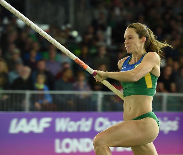 ファビアナ・ムレル(ブラジル) 棒高跳びの選…:跳躍のビーナスたち 写真特集 - リオ五輪・パラリンピック 2016:時事ドットコム