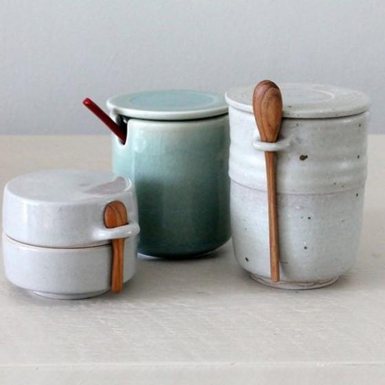 Little pots for sugar salt or more on your table. Have a look this weekend on #meesterlijkambachtendesign #westergasfabriek #amsterdam #tableware #ceramics #foodserving #keramiekatelier #marjokedeheer #clay #celadonglaze #porcelain #wheelthrown #madeinamsterdam #ceramicart #ceramic #art #decoration