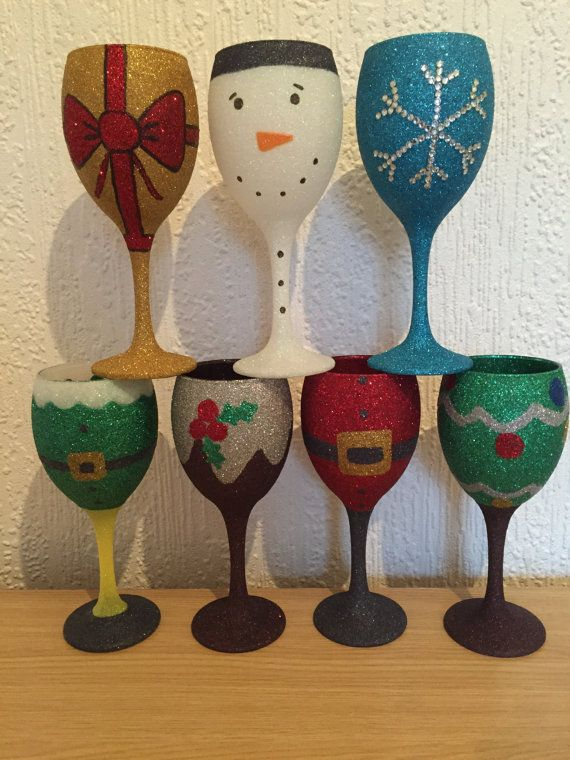 Christmas glitter wine glass by tashasglitter on etsy for Holiday wine glass crafts
