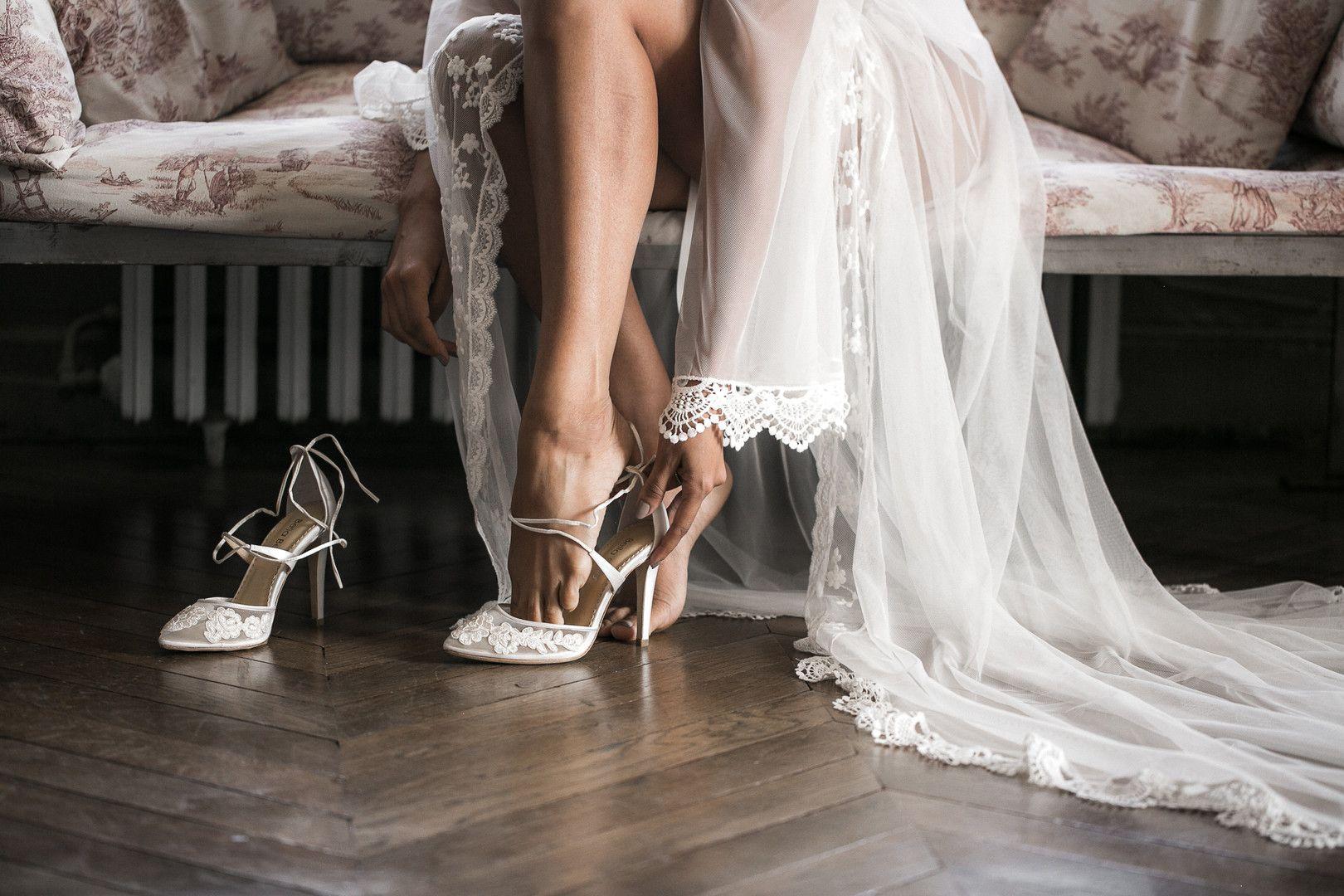 Pin On Bride And Bridesmaid