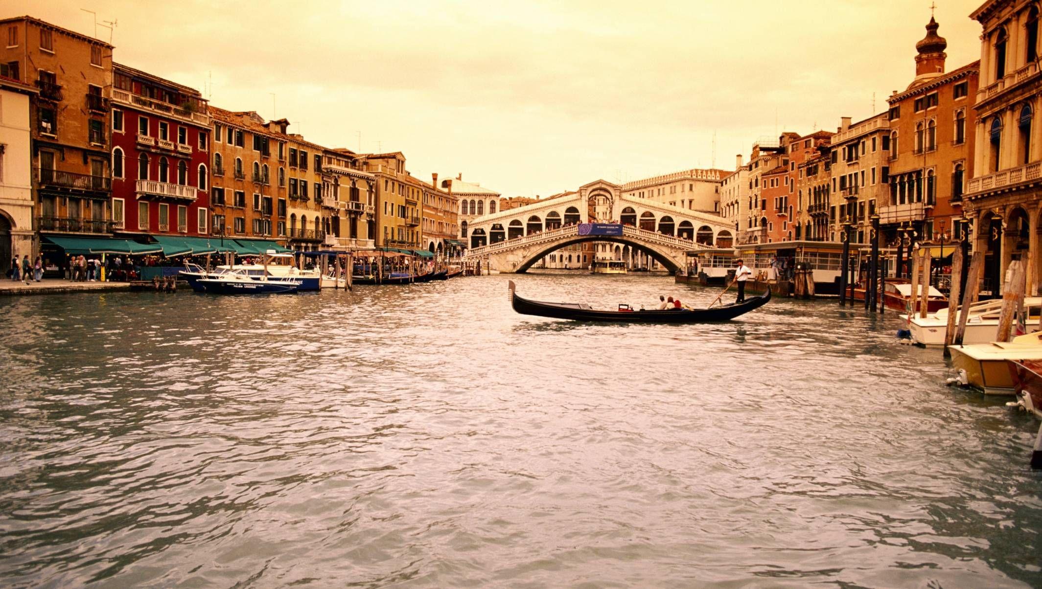 Italy Venice Wallpaper Hd Download For Desktop High Quality 1024 768 Venice Wallpaper 41 Wallpapers Adorable Wallp Travel Travel Europe Cheap Venice Travel