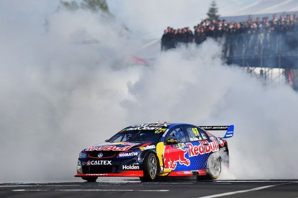 Shane Van Gisbergen Drives The 97 Red Bull Racing Australia Holden Commodore Vf Celebrates With A Victory Burnout After Winning R Super Cars Drift Cars Racing