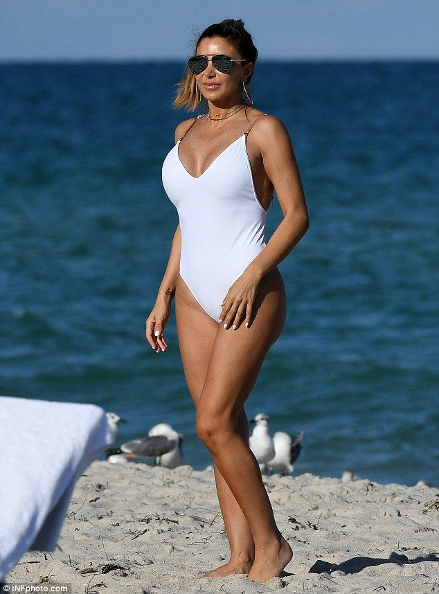Larsa Pippen flaunts figure in plunging swimsuit while in Miami ...