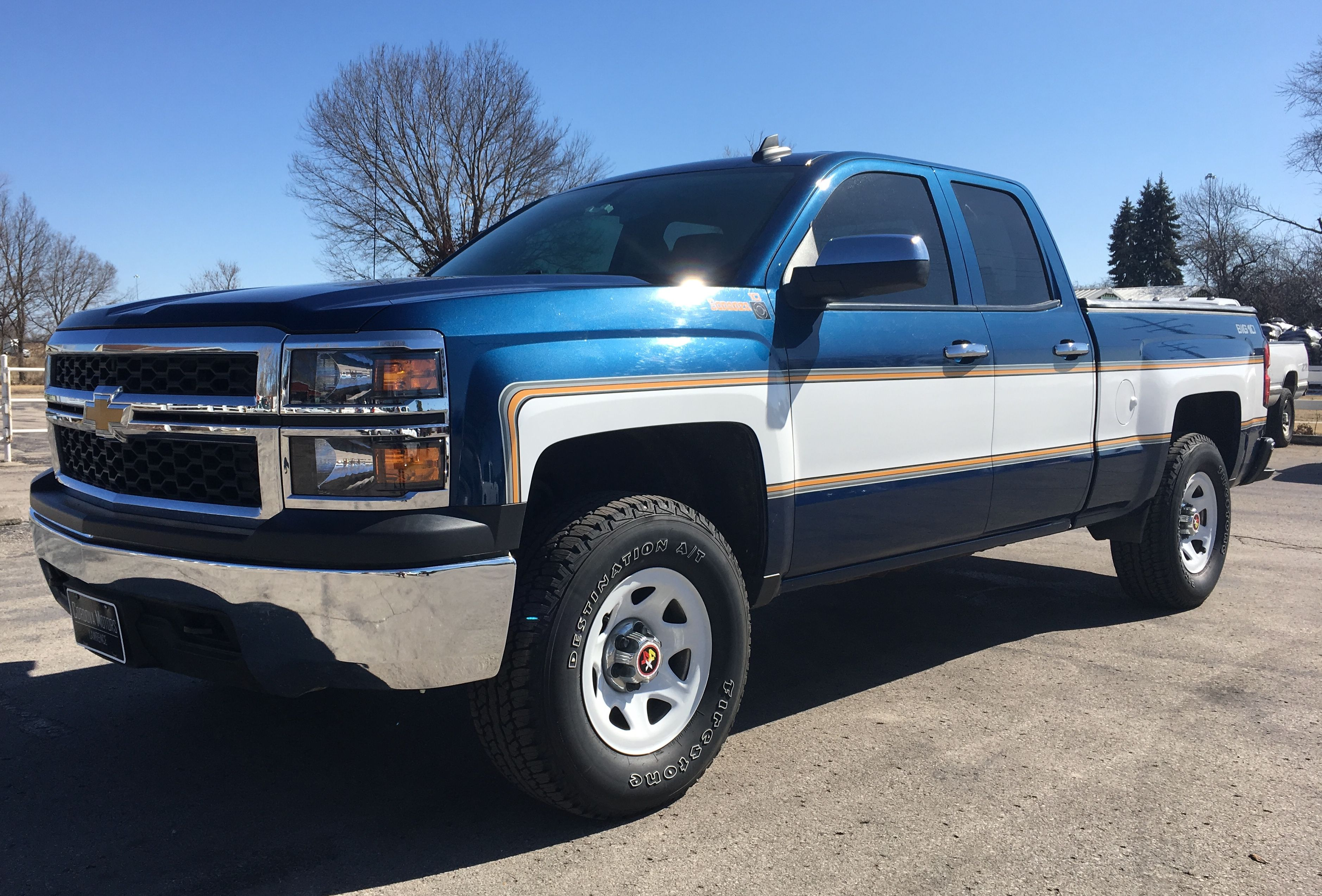 Chevy Silverado Cheyenne Super 10 In Blue And White Cool