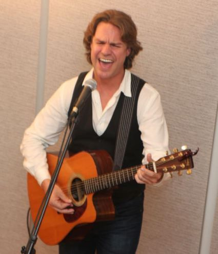 Review of a fun house concert in Shrewsbury, MA from rock 'n roll troubadour Jann Klose.