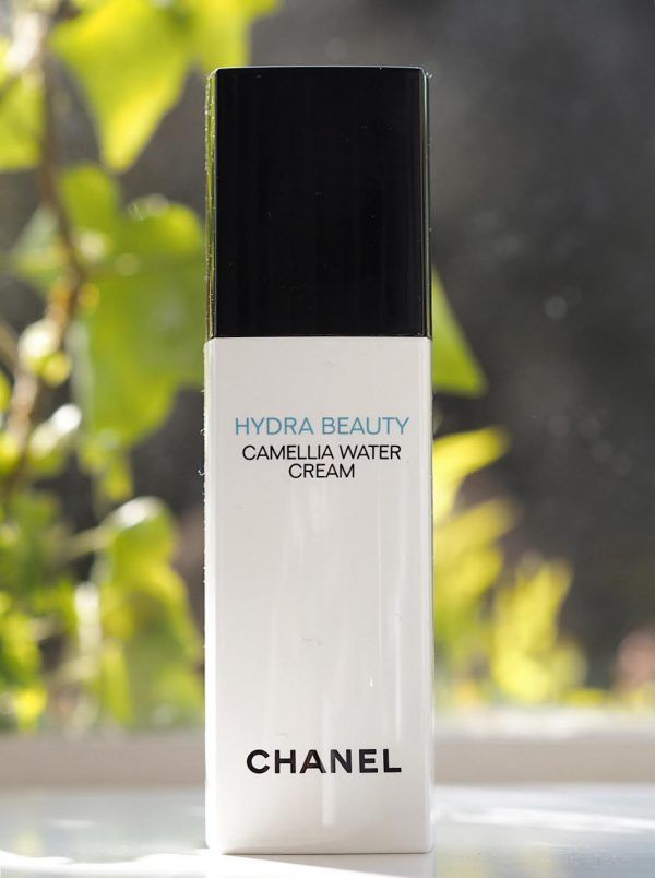6b294348a9a5 CHANEL - Hydra Beauty | Creativity :: make-up & skin care & Perfume ads in  2019 | Chanel hydra beauty, Beauty ad, Perfume ad