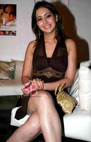 Preeti Jhangiani In Bikini Pictures