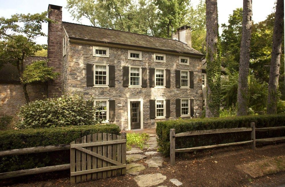 In Good Taste Hollander Landscape Architects Design Chic Design Chic Stone Exterior Houses Stone Houses House Exterior