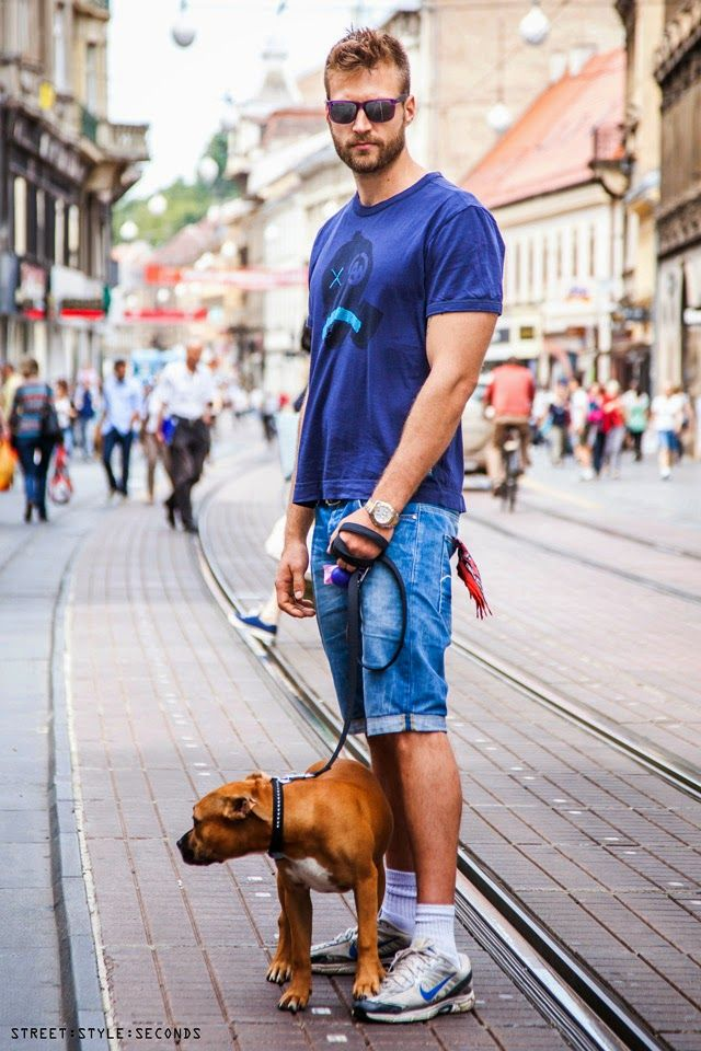 b2bb392af286 Handsome Viktor Bobić in blue tee and jeans shorts