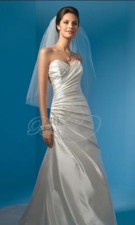 Alfred Angelo 2031: buy this dress for a fraction of the salon price on PreOwnedWeddingDresses.com