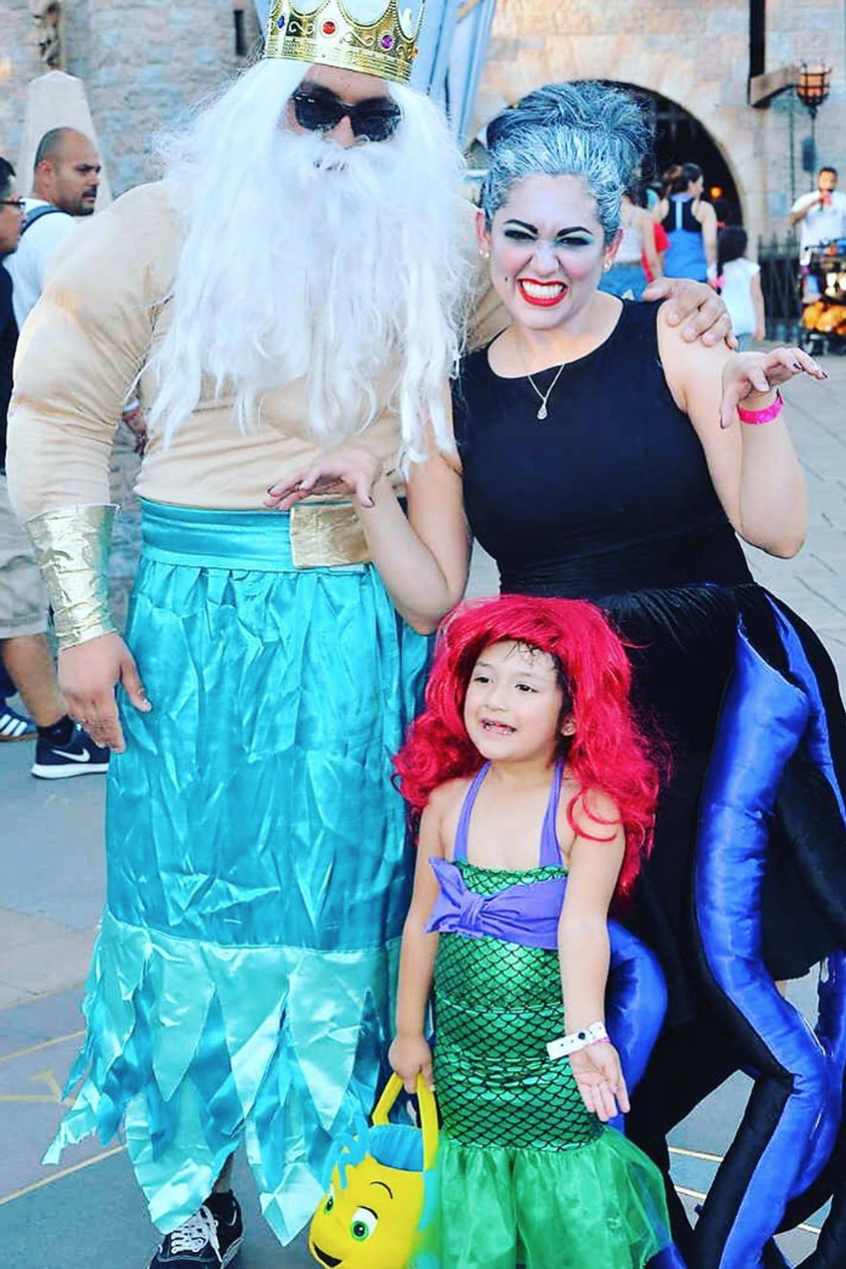 Halloween Costume Ideas For Family Of 3.Calling All Families Of 3 We Have The 41 Halloween Costume Ideas