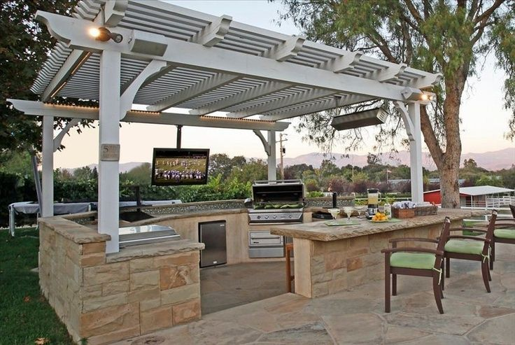 Trellis Surrounded By Knee Wall And Counter Top Outdoor Kitchen Design Layout Outdoor Kitchen Bars Outdoor Kitchen Design