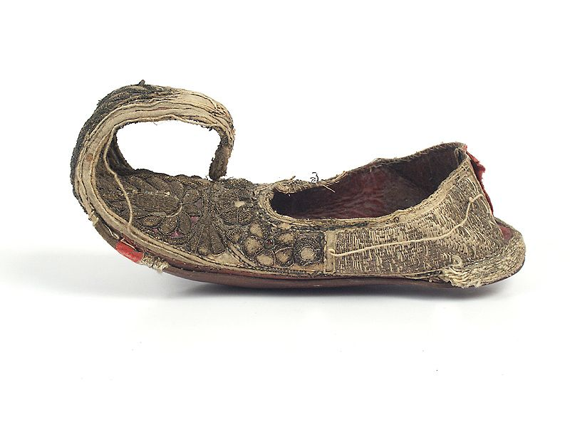 Ethnic shoes / Shoes, decorated with beads. 19th century. North India.