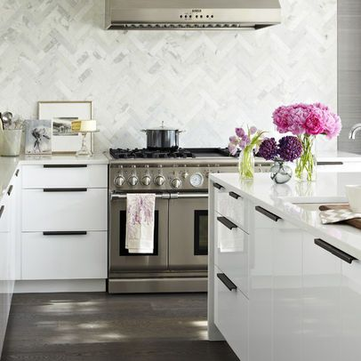 Best Shiny White Kitchen Cabinets Chevron Marble Tile Wall 640 x 480