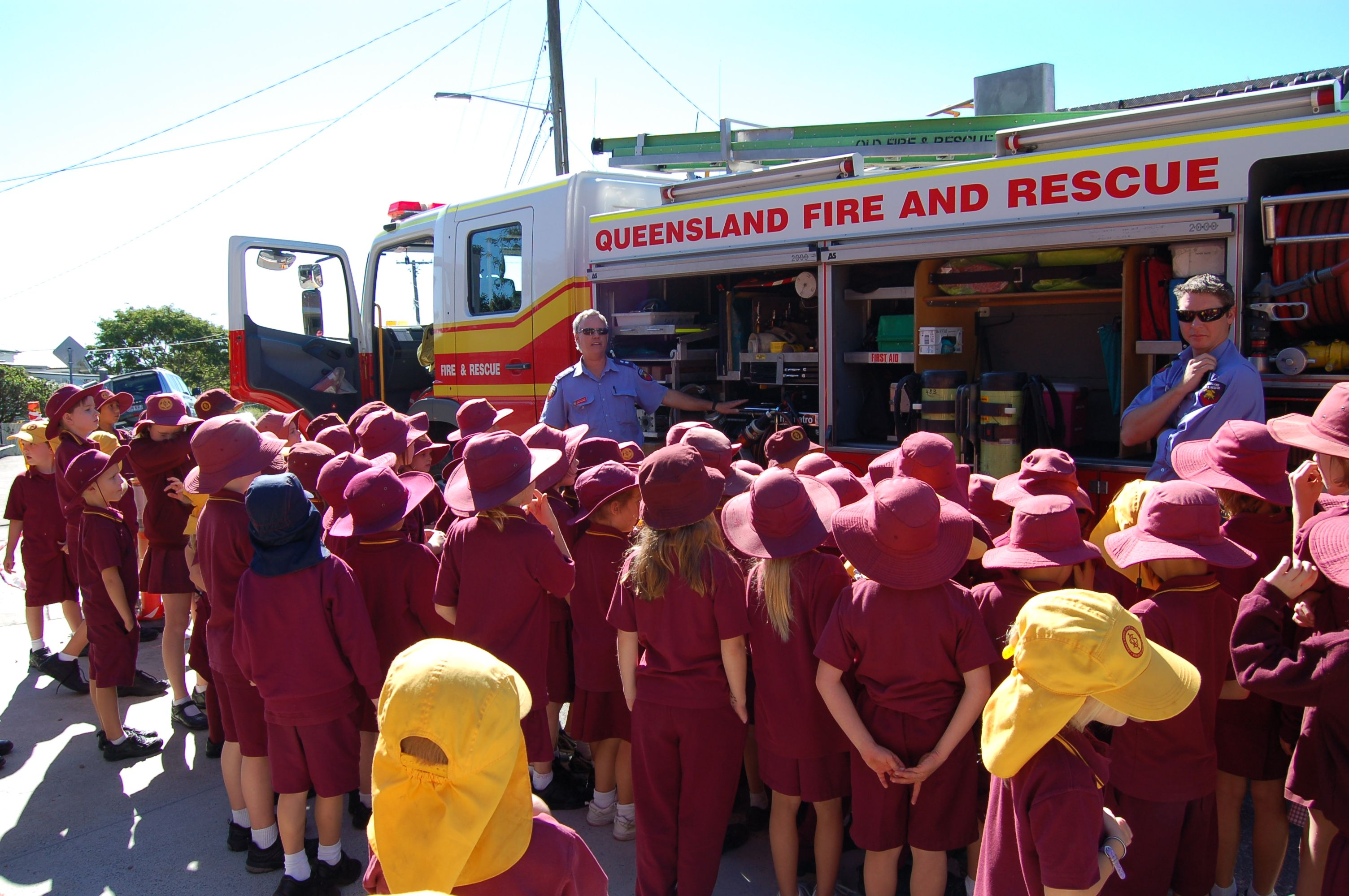 Local Firies Visit Ithaca Creek State School P Amp C Day