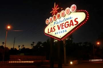 Http Www 8newsnow Com Story 28853110 Woman Who Designed Welcome To Fabulous Las Vegas Sign Dies Las Vegas Sign Nevada Vegas