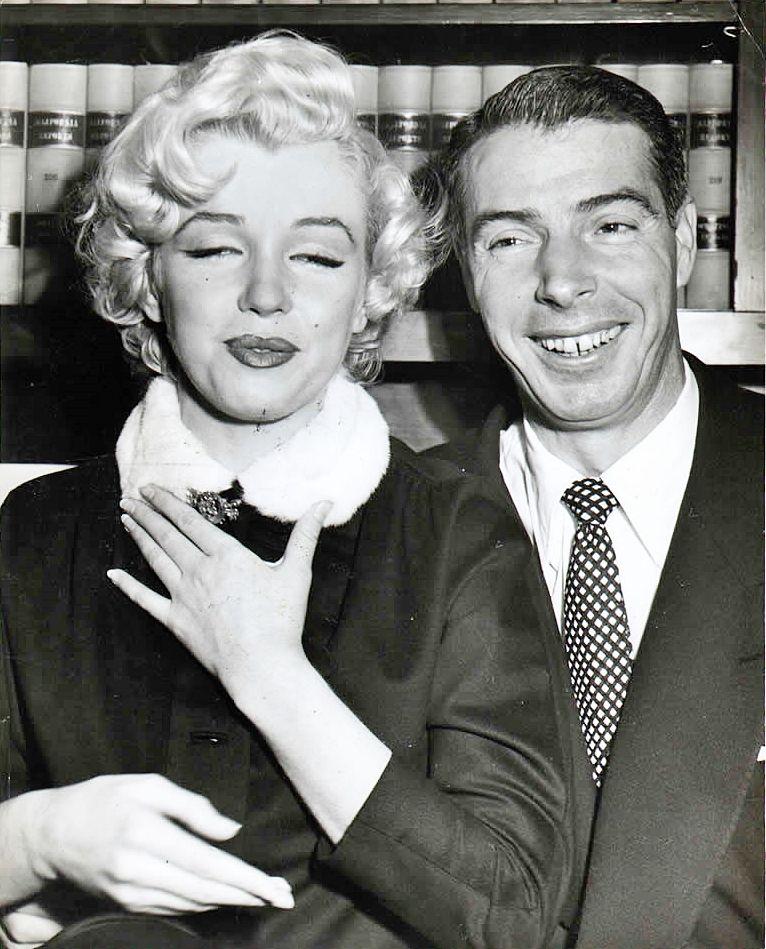 Elsiemarina January Marilyn Monroe And Joe Dimaggio At San Francisco City Hall After Their Wedding