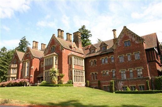 Thornewood Castle Inn Gardens Lakewood Wa Castles In America English House Real Castles