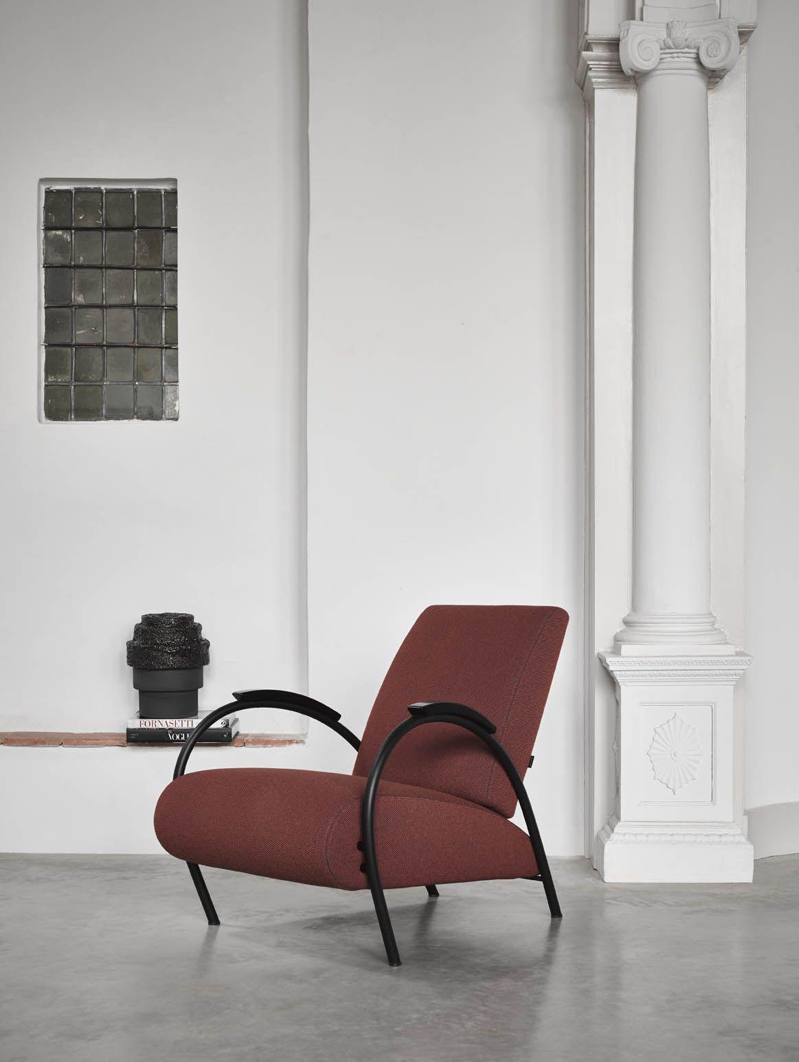 Jan De Bouvrie Stoelen Gelderland.Gelderland Fauteuil 5770 Design Jan Des Bouvrie Met Zwart Frame In