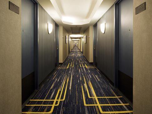 Hilton Newark Airport - corridor design