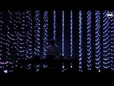 Four Tet Boiler Room London Live Set - YouTube | Audiovisual