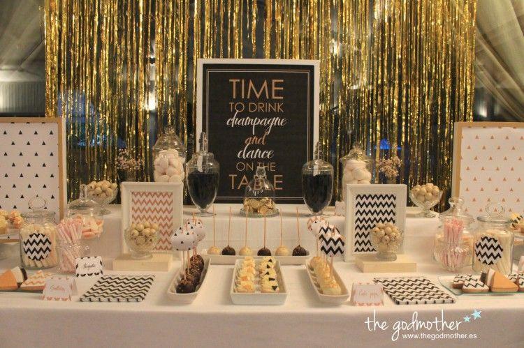 Mesa dulce dorado blanco y negro mesa dulce fin de a o - Ideas para fiesta 40 cumpleanos ...