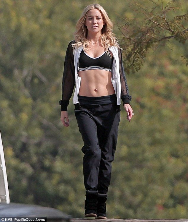 1d93ea4629 The perfect advert for it: Kate Hudson filmed a commercial for her Fabletics  brand in Venice, California on Friday