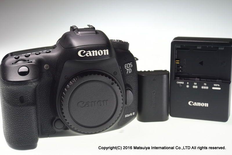 Canon Eos 7d Mark Ii Body 20 2 Mp Digital Camera Shutter Count 9490 Excellent Eos Digital Slr Camera Canon Eos
