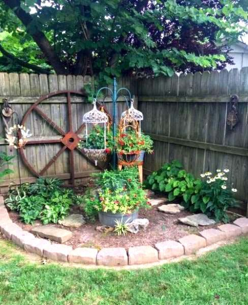 28 Beautiful Corner Garden Ideas and Designs | Small front ...