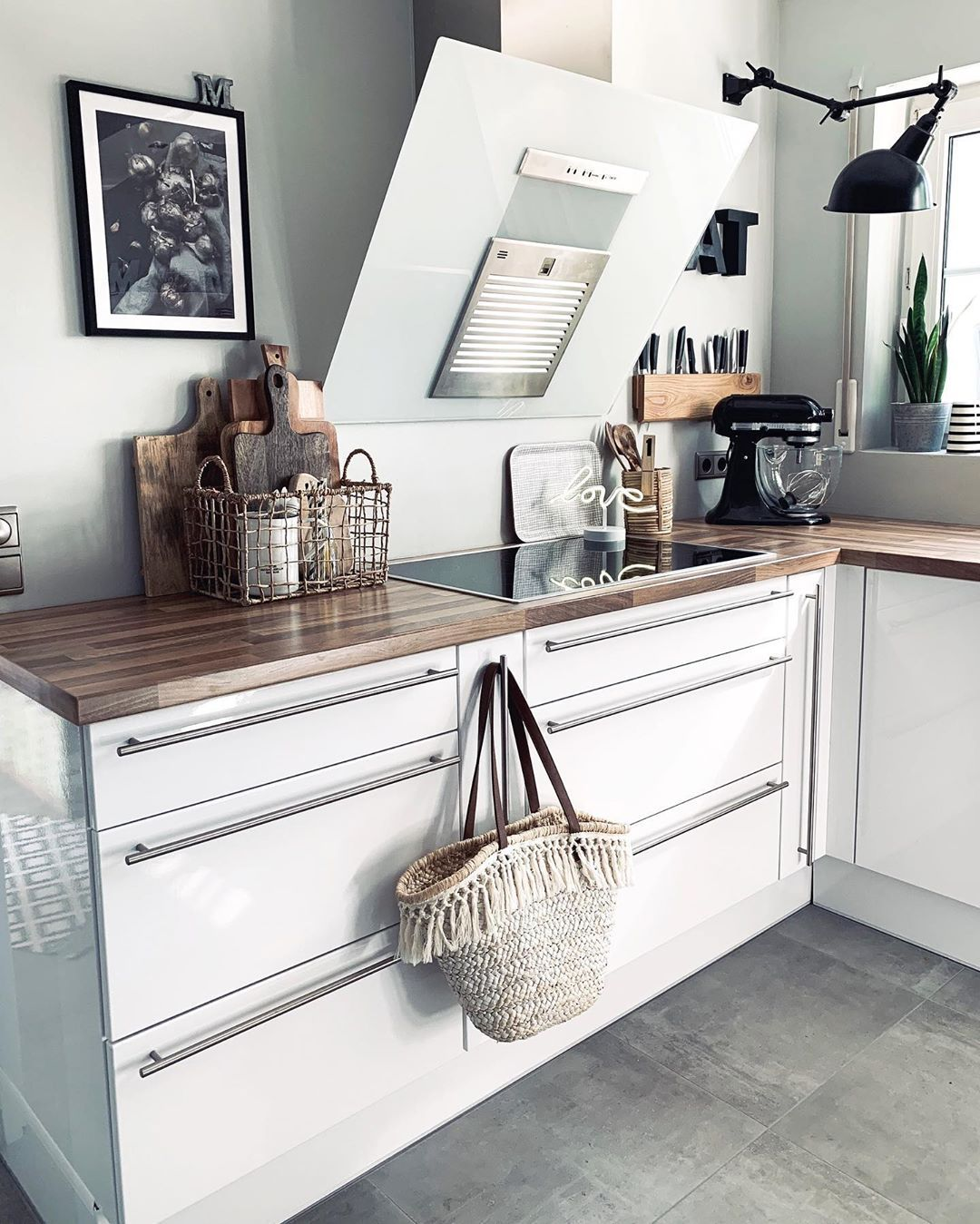 Miriam Mika Kalina Auf Instagram Werbung Da Simmer Widder Ich And My Kitchen Nicht Mehr Laaaang Quasi Mittw Kuchenrenovierung Kuche Esszimmer Kuche