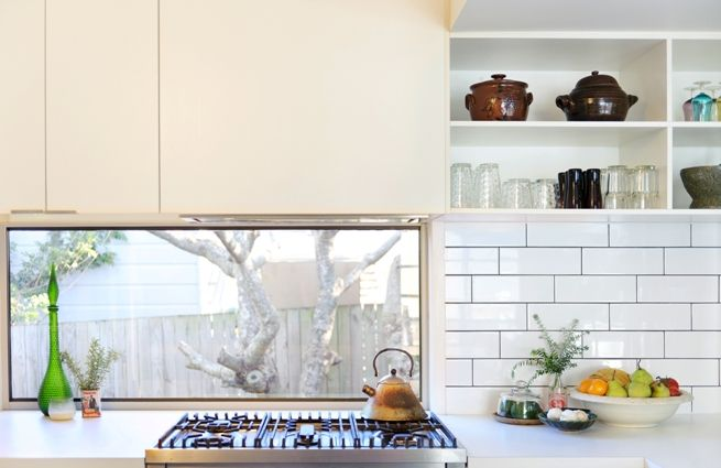 GAYTHORNE | Skyring Architects (window under cabinets)