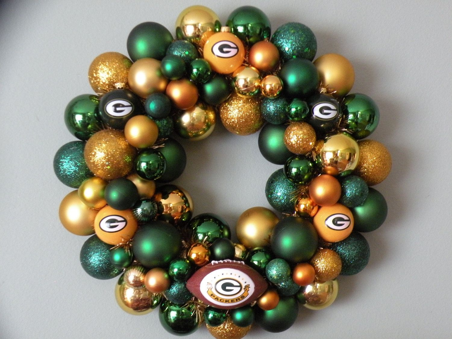 green bay packers wreath dont think id actually do this but its a cute idea - Green Bay Packers Christmas Ornaments