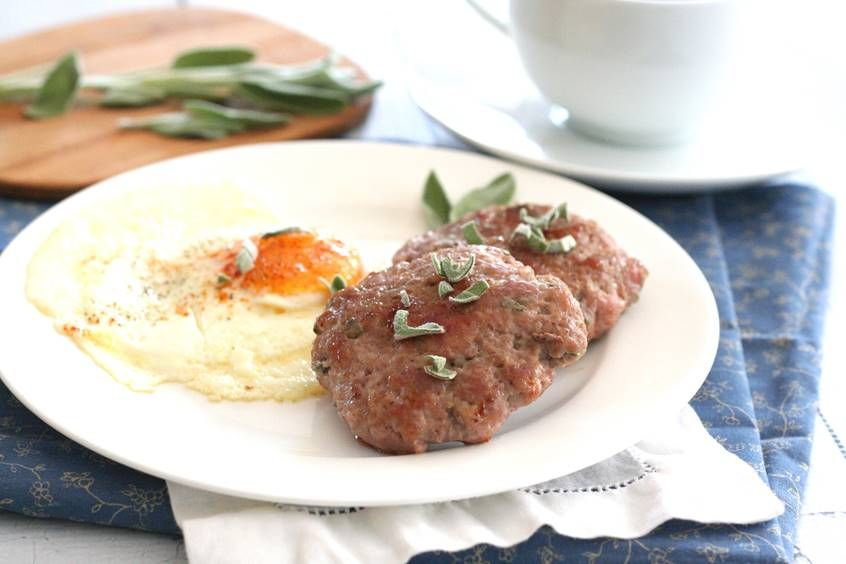 Maple Sage Breakfast Sausage Patties | Swerve Sweetener ***Calls for pork, but I'd use turkey.