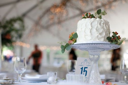 Cake by Cocoa & Fig; photo by La Vie Photography #wedding #cake