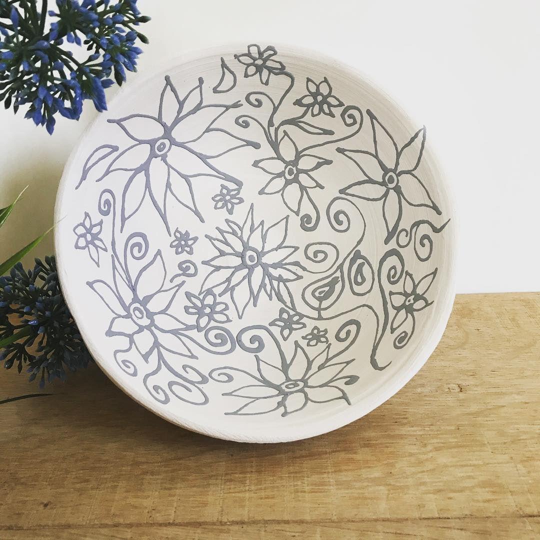 Tried new things 🌺 . . . . #heart #clay #pottery #potterylove #potterydesign #lovewhatyoudo #crafts #handmade #glaze #ceramics #Keramik #töpfern #potter #potterydesign  #claylove #design #lovemywork #wheelthrown #wheelthrownpottery #engoben #mamaumanufaktur