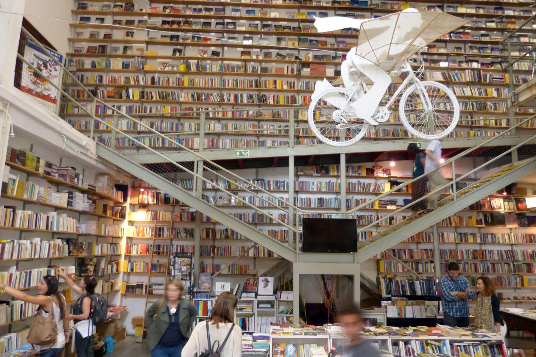 Resultado de imagem para Ler Devagar livraria lisboa