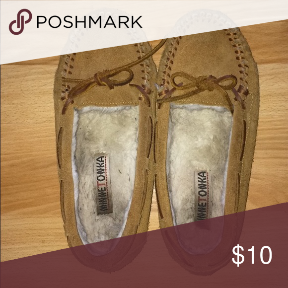 Minnetonka moccasins Mint condition Minnetonka moccasins Minnetonka Shoes Moccasins