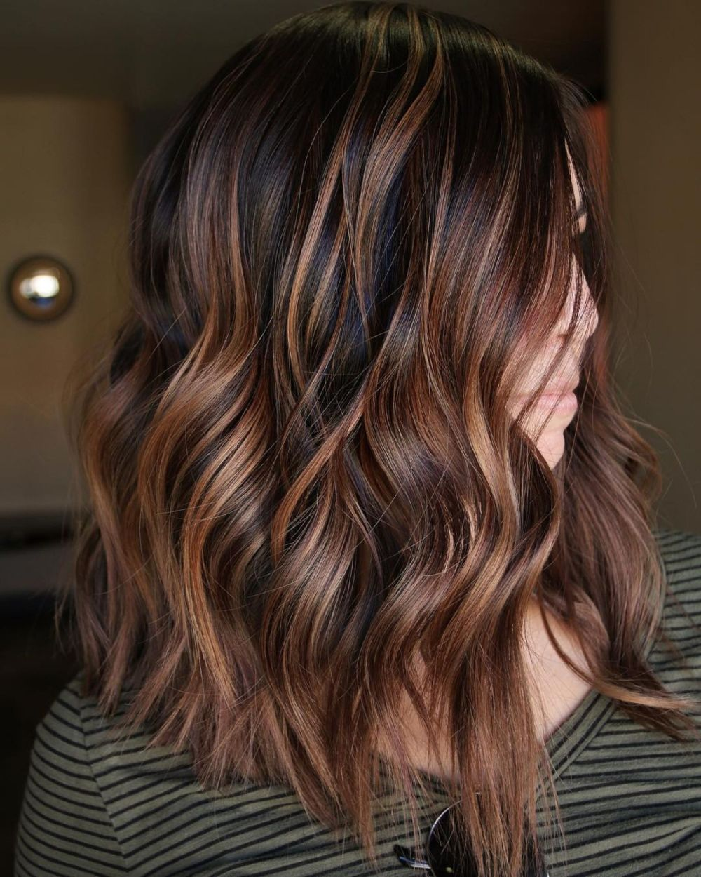 looks with caramel highlights on brown and dark brown hair hair