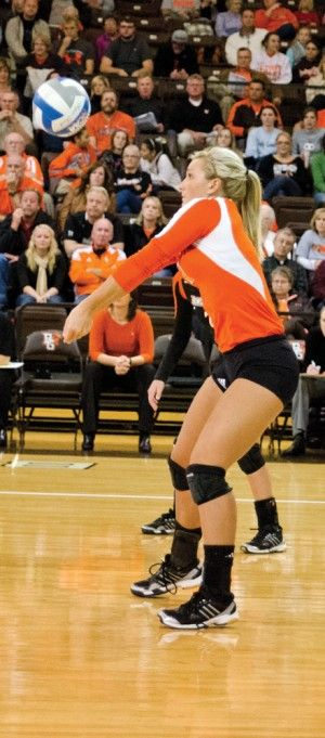 Volleyball Looks To Win Mac Championship Volleyball American Conference Volleyball Team