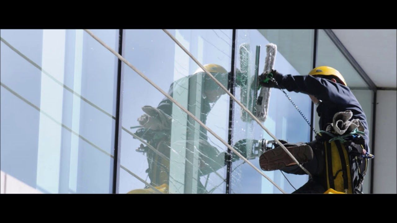 Window Cleaning Services And Cost In Omaha Lincoln Ne Lnk Cleaning Servi Window Cleaning Services Window Cleaner Professional Window Cleaning