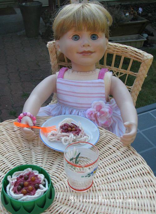 doll spaghetti tute