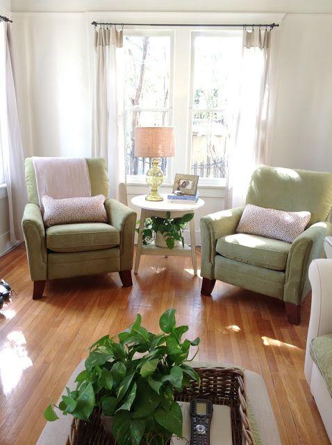 They Re Heeeere Living Room Recliner Living Room Arrangements Trendy Living Rooms