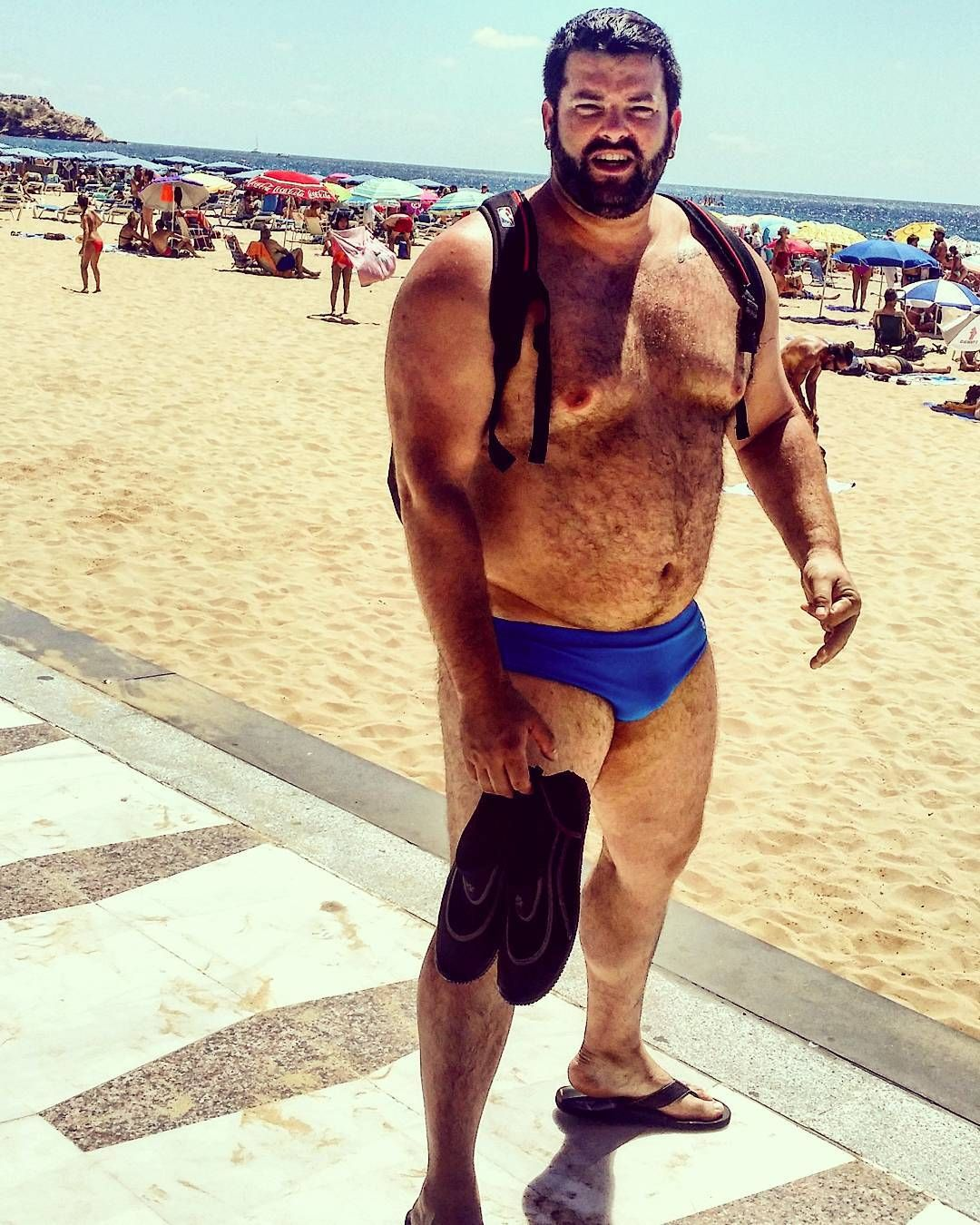 Men In Speedos Photo Hombres Gorditos Hombres Barbas
