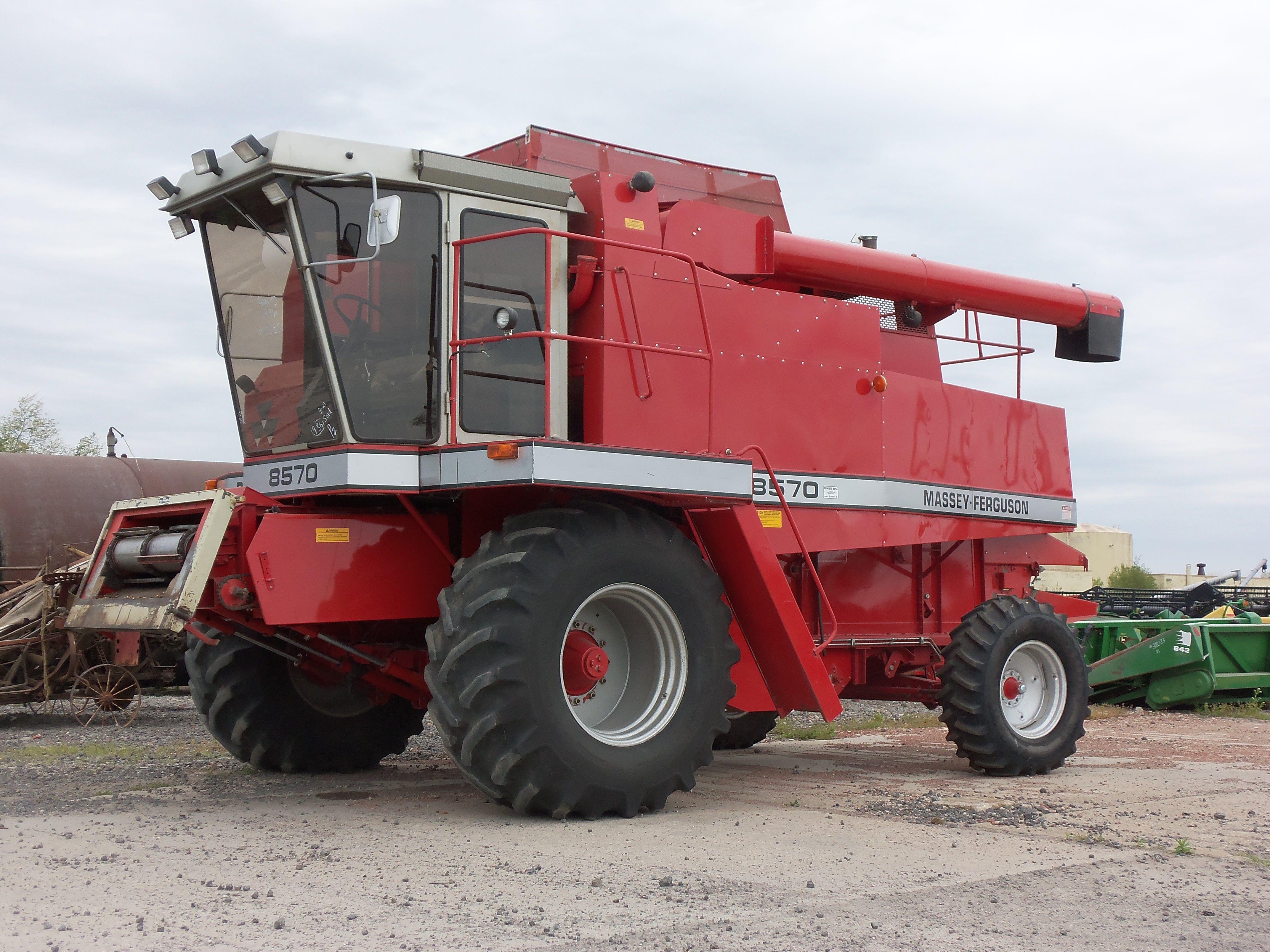 Red Combine Tractors Combine Harvester Massey Ferguson