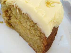 Amazingly lemony vegan cake! (I'm gonna try it w orange zest too )
