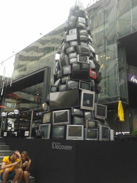 TV recycle idea. Chritsmas tree.