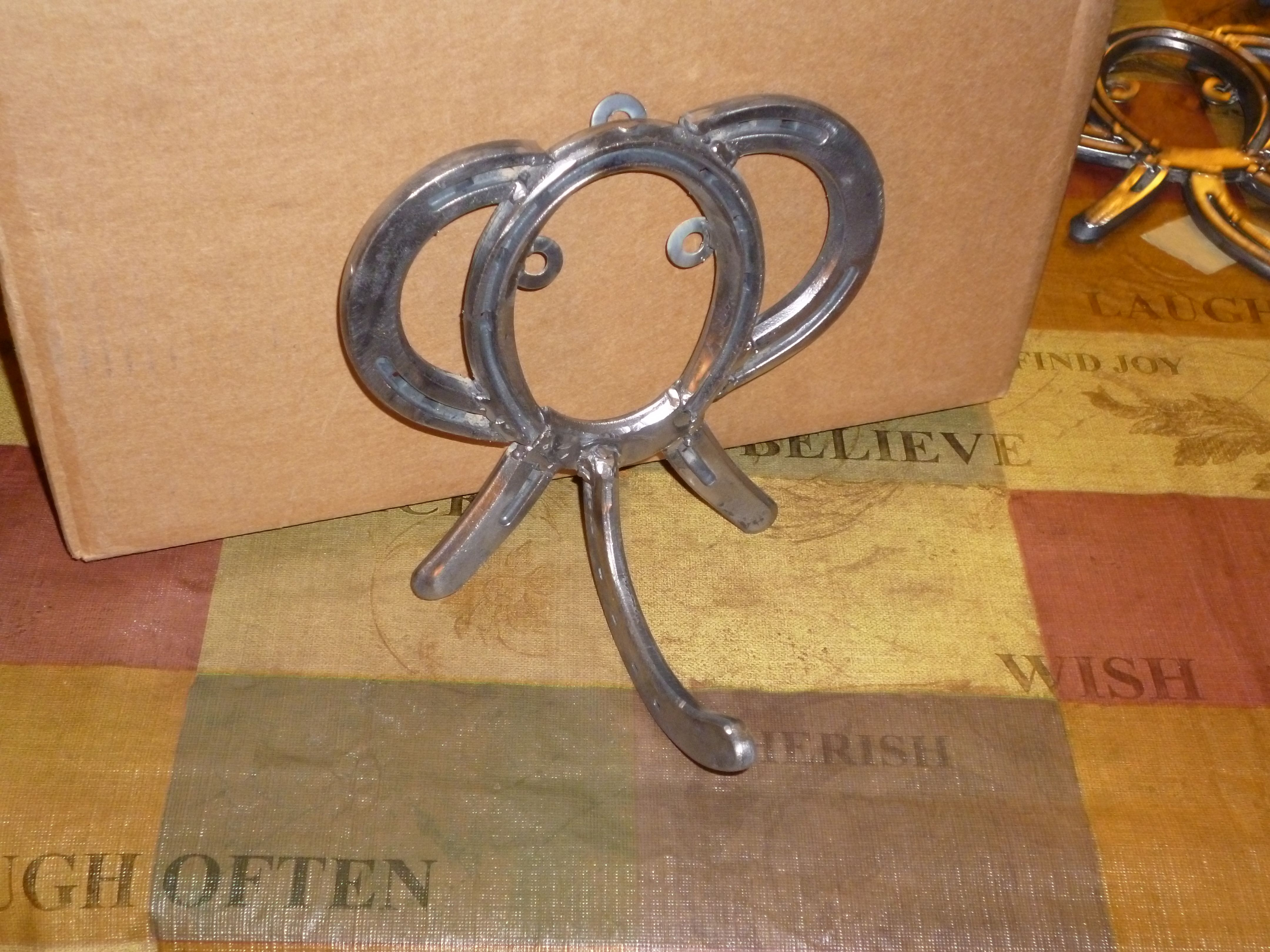 Pin By Beth Wood On All Things Made From Horse Shoes Horseshoe