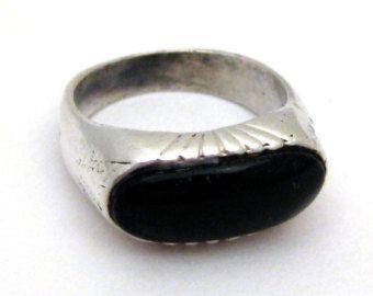Vintage Ring Modernist Sterling Silver & Black Onyx Handmade Ring size 7