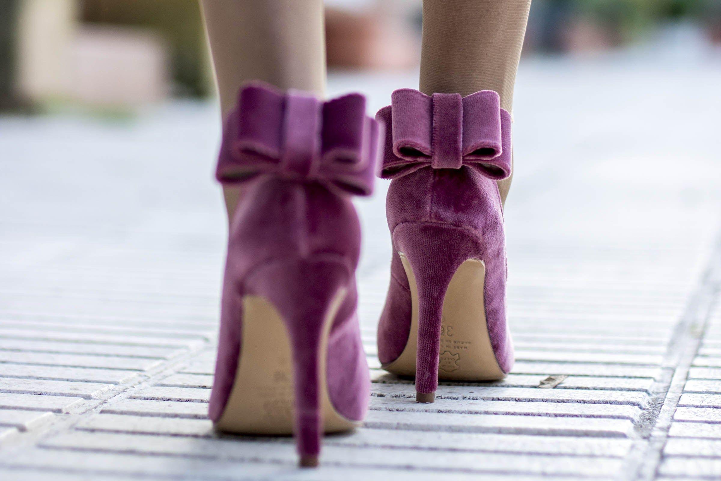Look invitada boda dia zapatos terciopelo Salo Madrid | Bodas ...