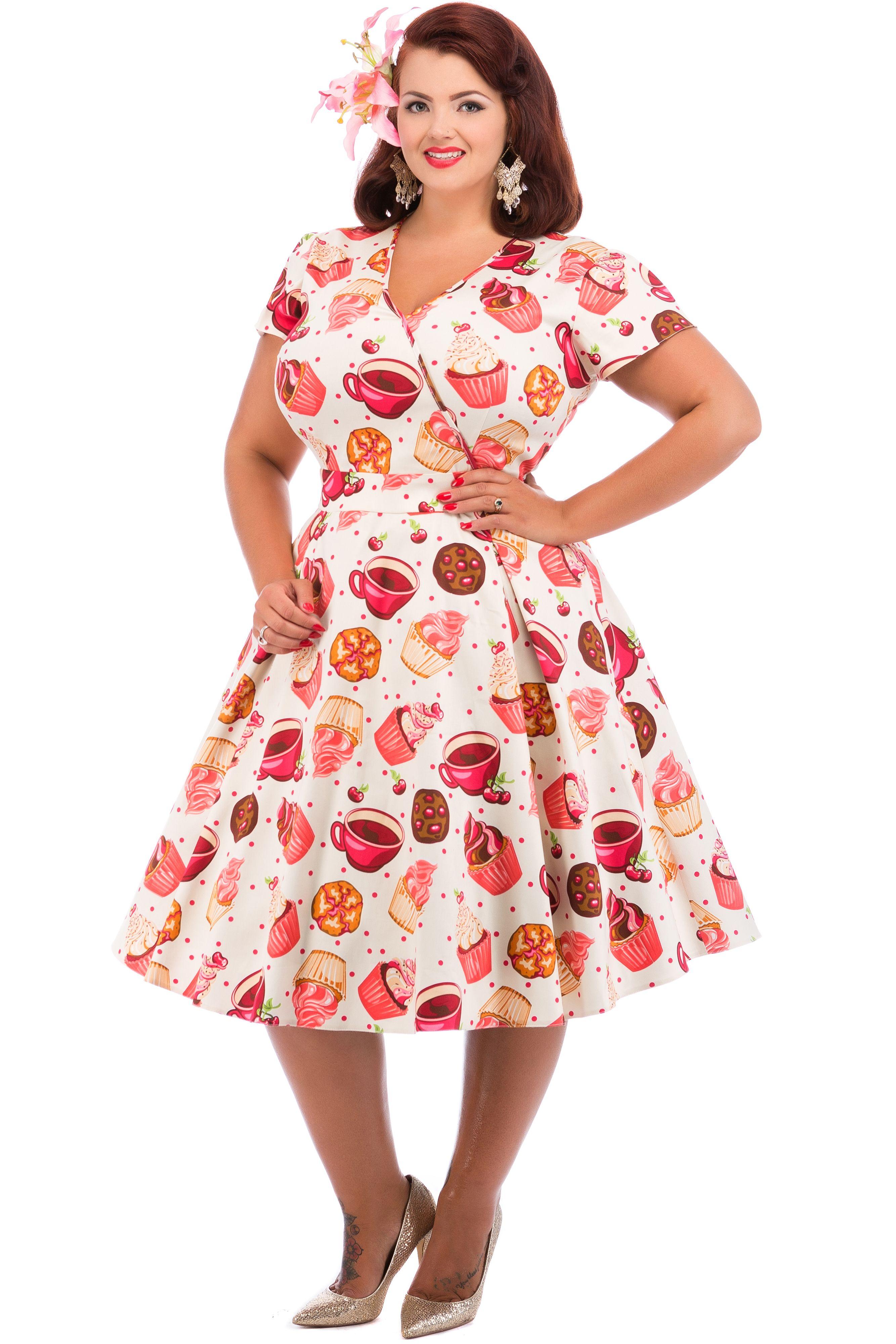 bf4ea6e7e6 Cream Cupcake Print Estella Dress : Lady Voluptuous Roupas, Vestidos Vintage,  Vestidos Vintage Dos